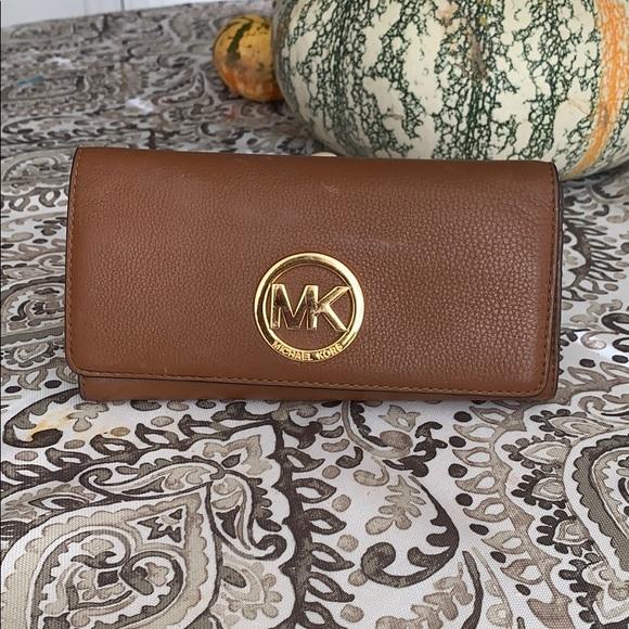 Authentic Michael Kors Fulton long leather wallet